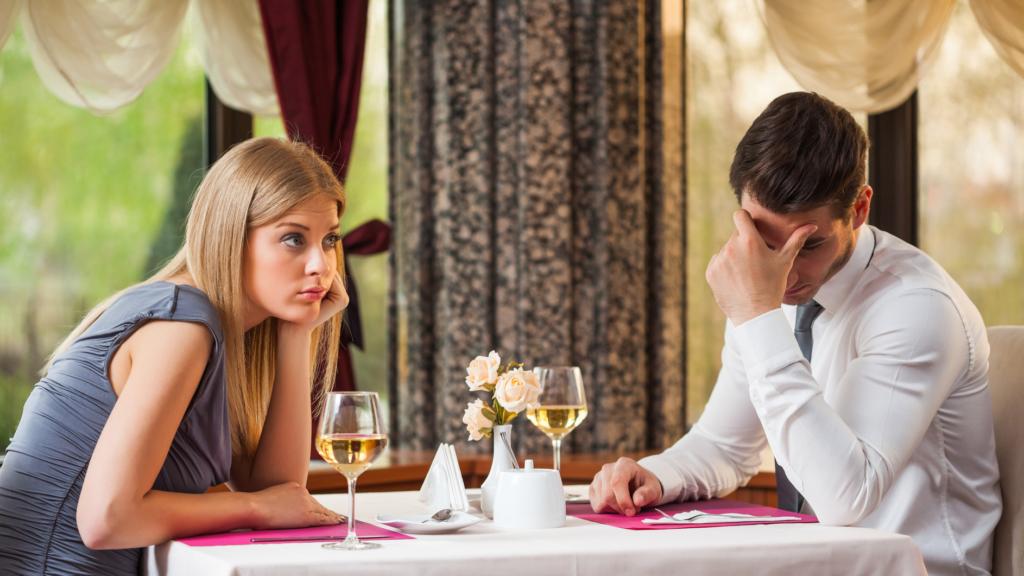7 Fehler mit denen die Herren der Schöpfung einen Flirt verpatzen